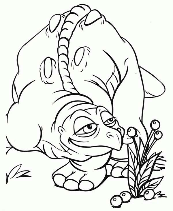 land before time family cera father smelling fruit coloring page - Land Before Time Free Coloring Pages